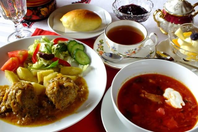 IZBA ロシア料理 ¥2200